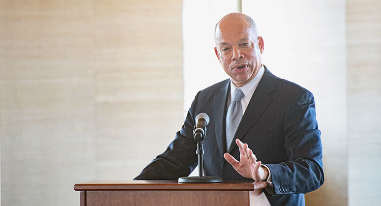 Jeh Charles Johnson, Partner, Paul, Weiss, Rifkind, Wharton & Garrison, and former Secretary, U.S. Department of Homeland Security delivers afternoon keynote speech at April 6, 2018 conference